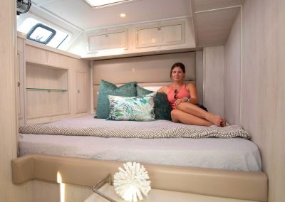 Royal charters, Majestic 570 Fly, Barefeet Retreat, Cabin with girl